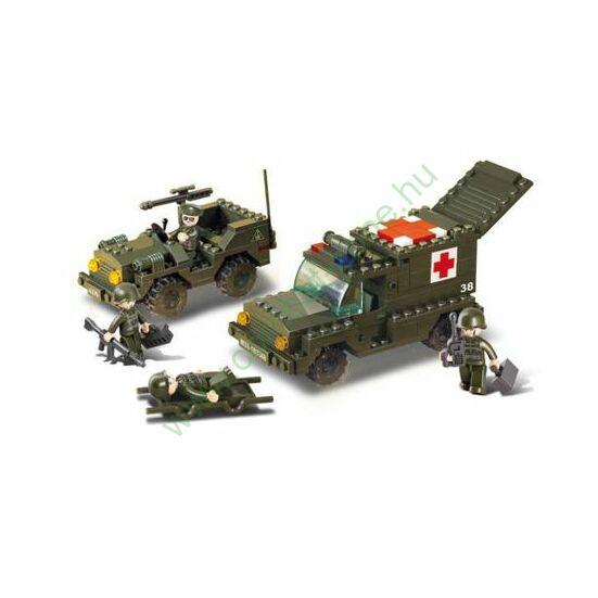 Sluban katonai mentő és Jeep kisérő jármű